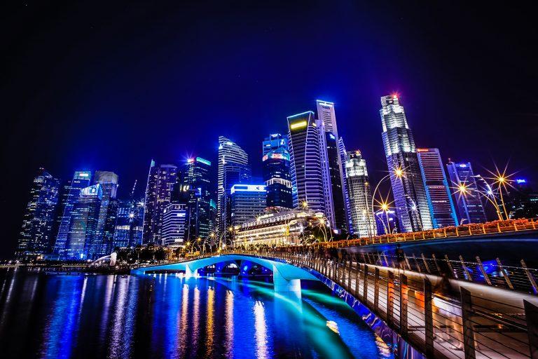 Szingapúr etikai kódexet dolgoz ki az AI használatára